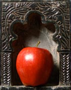 Miggs B Lenticular - Red Apple